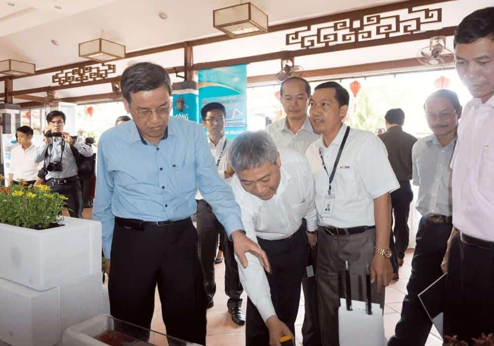 Thứ Trưởng Bùi Phạm Khánh trực tiếp trải nghiệm các tính năng HASS mang lại 1